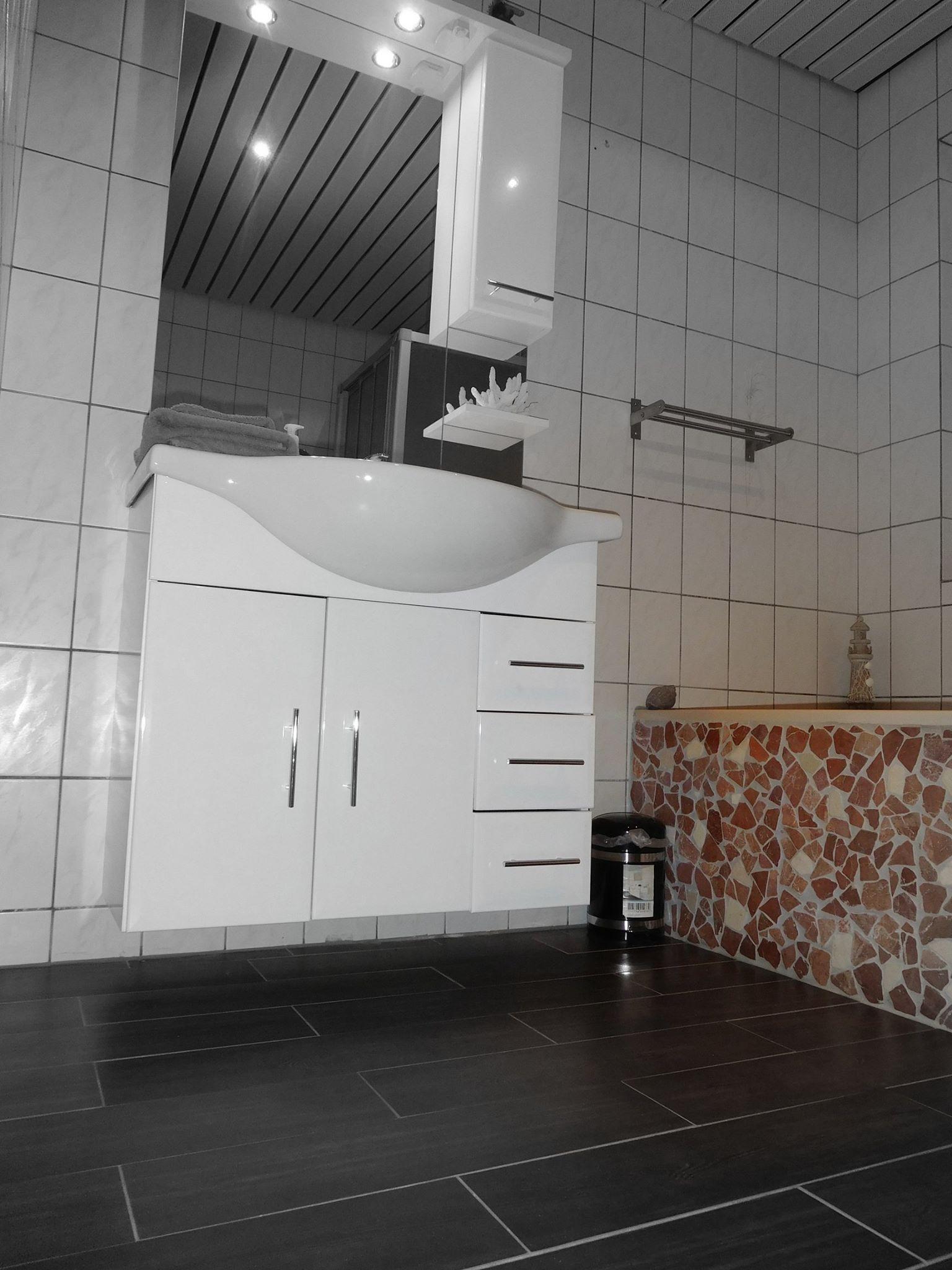 Badezimmer bdsm haus bdsm ferienwohnung ostfriesland for Haus mieten in ostfriesland